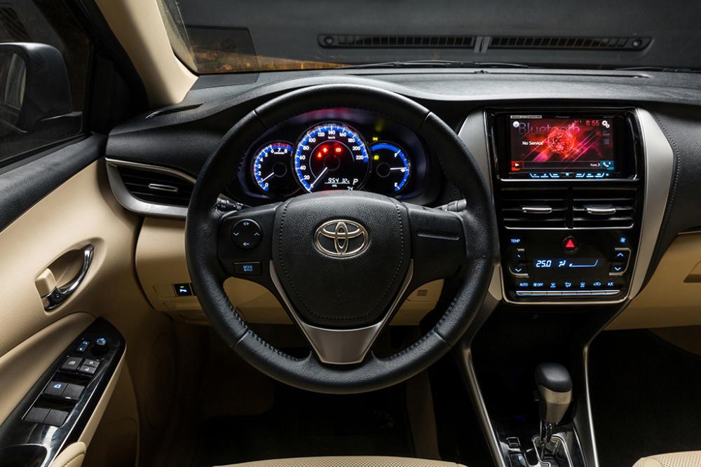Toyota Vivos tân cảng sài gòn
